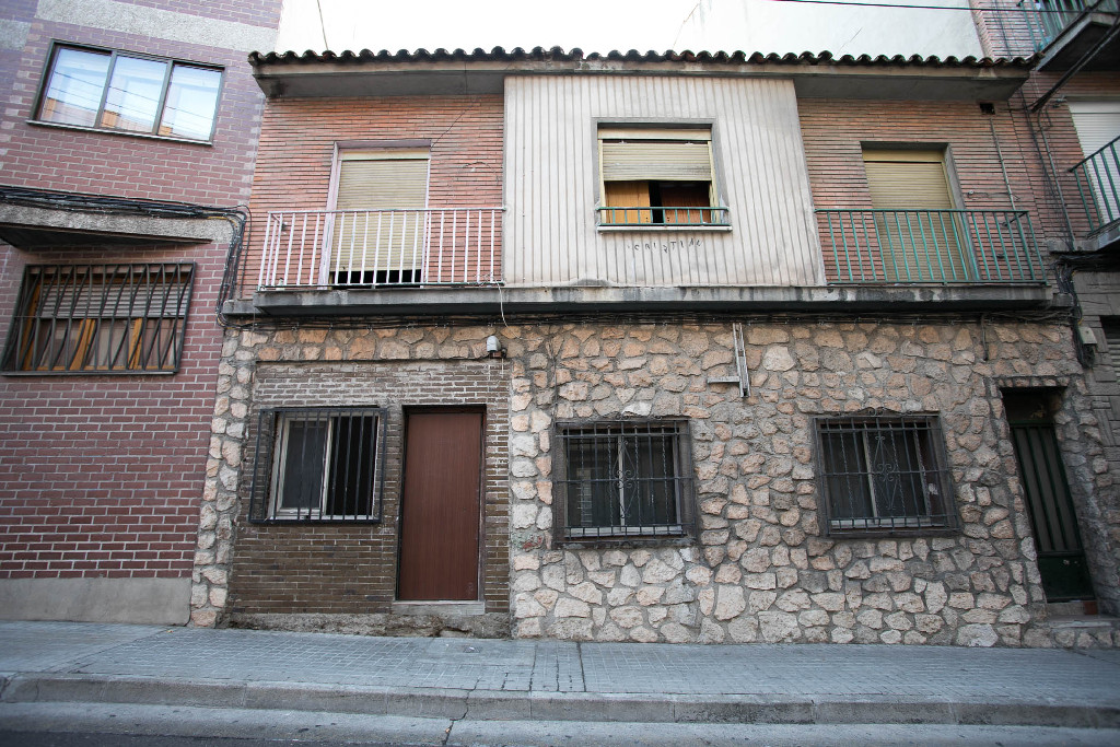 Casa en venta en Zaragoza, Zaragoza, Calle Lugo, 148.000 €, 2 habitaciones, 2 baños, 199 m2