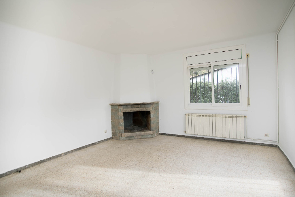 Casa en venta en Caldes de Malavella, Girona, Urbanización Aigues Bones, 140.000 €, 3 habitaciones, 1 baño, 110 m2