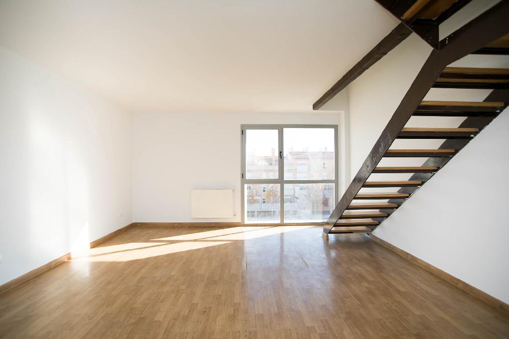 Piso en venta en Navalcarnero, Madrid, Avenida Dehesa, 176.000 €, 3 habitaciones, 2 baños, 162 m2