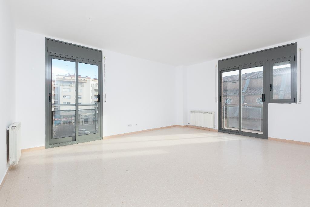 Piso en venta en Balaguer, Lleida, Calle Cardenal Benlloch, 71.500 €, 3 habitaciones, 2 baños, 92 m2