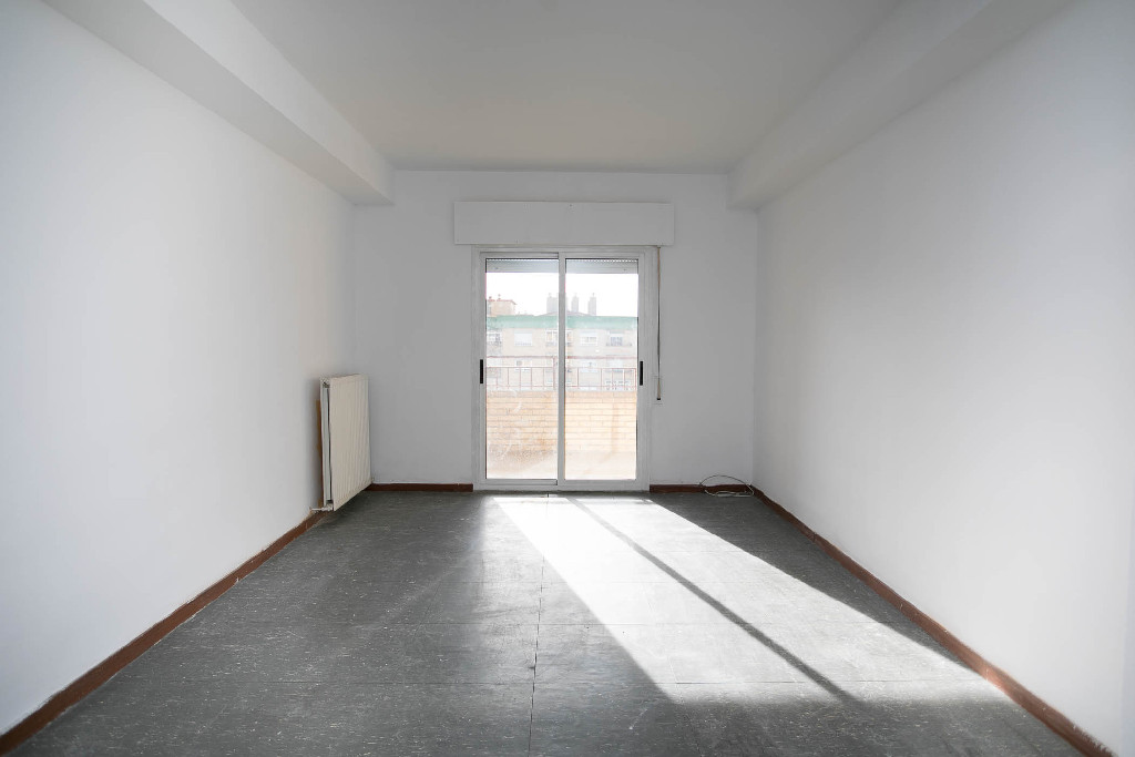 Piso en venta en Huesca, Huesca, Plaza Lerida, 125.000 €, 3 habitaciones, 1 baño, 115 m2