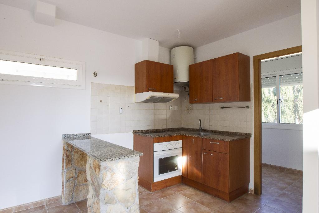 Casa en venta en Miami Platja, Mont-roig del Camp, Tarragona, Calle Deesa Isis, 92.000 €, 2 habitaciones, 2 baños, 77 m2