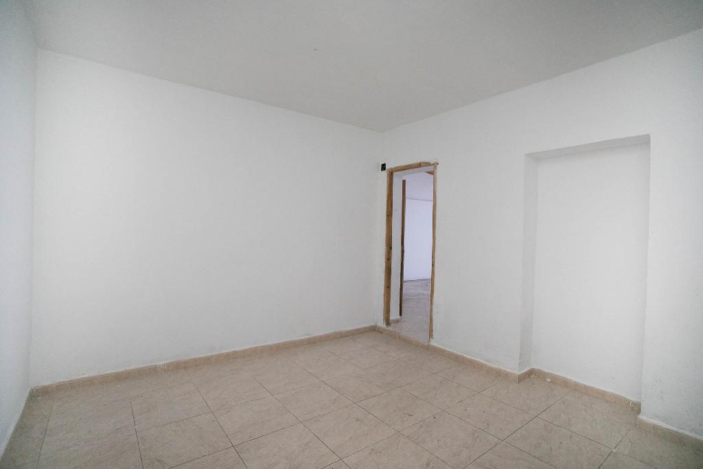 Piso en venta en Piso en Zaragoza, Zaragoza, 40.000 €, 2 habitaciones, 1 baño, 48 m2
