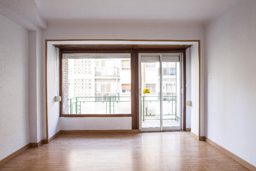 Piso en venta en Tarragona, Tarragona, Calle Menorca, 52.500 €, 3 habitaciones, 1 baño, 81 m2