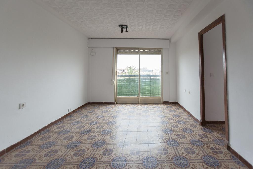 Piso en venta en Alicante/alacant, Alicante, Calle Benejuzar, 41.500 €, 3 habitaciones, 2 baños, 78 m2