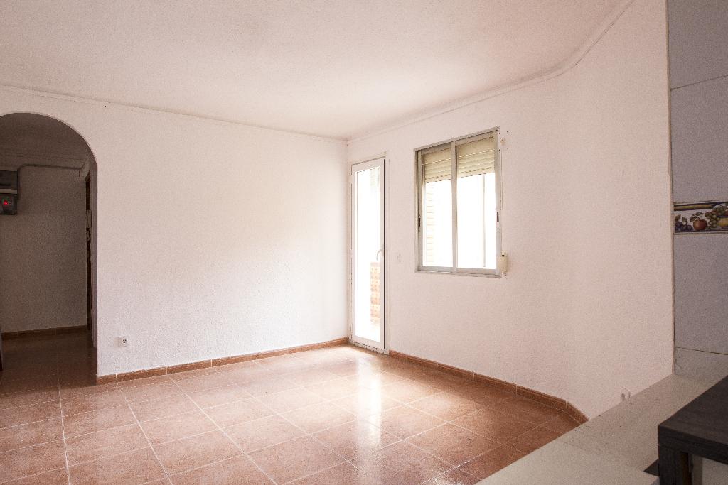 Piso en venta en Reus, Tarragona, Urbanización Barrio Fortuny, 38.000 €, 3 habitaciones, 1 baño, 63 m2