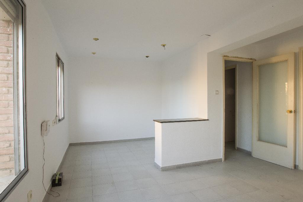 Piso en venta en Reus, Tarragona, Calle Gl Galicia, 43.000 €, 2 habitaciones, 1 baño, 68 m2