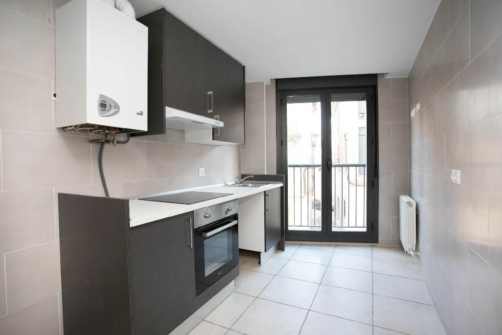 Piso en venta en Nájera, La Rioja, Calle San Marcial, 62.000 €, 2 habitaciones, 1 baño, 80 m2