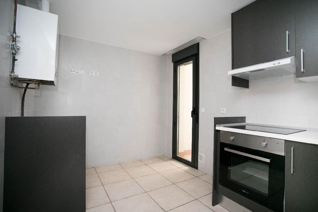 Piso en venta en Nájera, La Rioja, Calle San Marcial, 57.000 €, 2 habitaciones, 1 baño, 78 m2