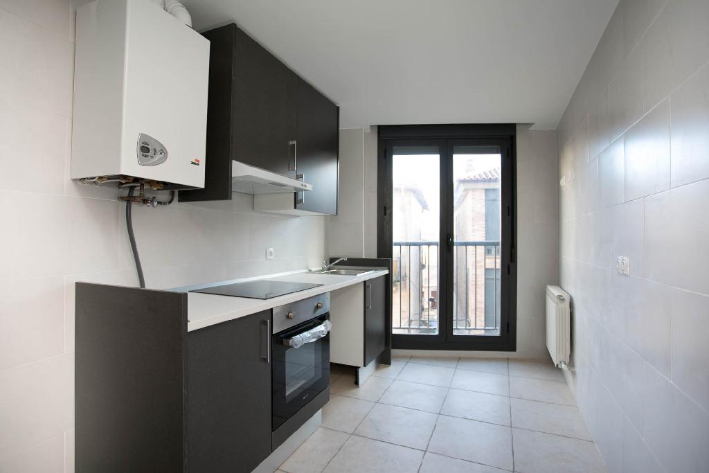 Piso en venta en Nájera, La Rioja, Calle San Marcial, 71.000 €, 2 habitaciones, 1 baño, 80 m2