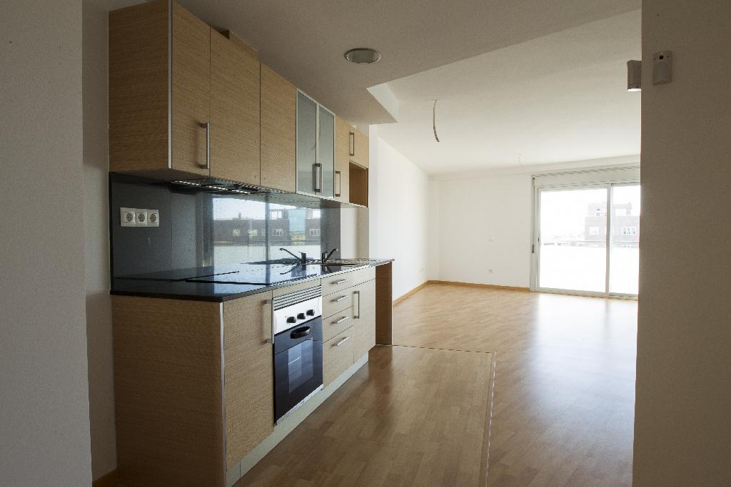 Piso en venta en Deltebre, Tarragona, Avenida Esportiva, 48.500 €, 2 habitaciones, 1 baño, 78 m2