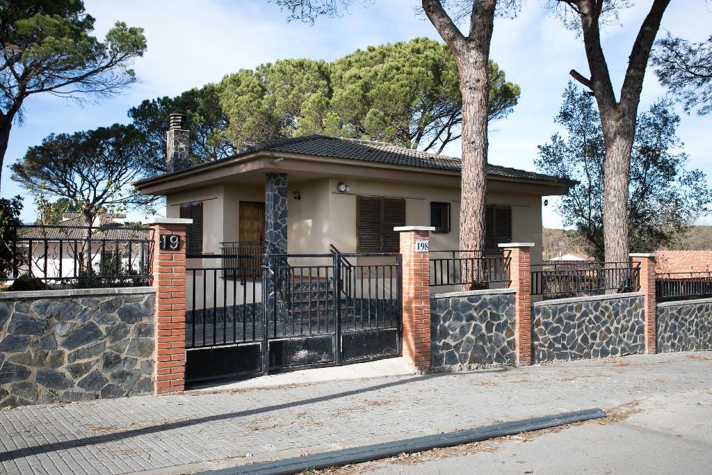 Casa en venta en Caldes de Malavella, Girona, Calle Isidro Nonell, 165.000 €, 3 habitaciones, 1 baño, 136 m2