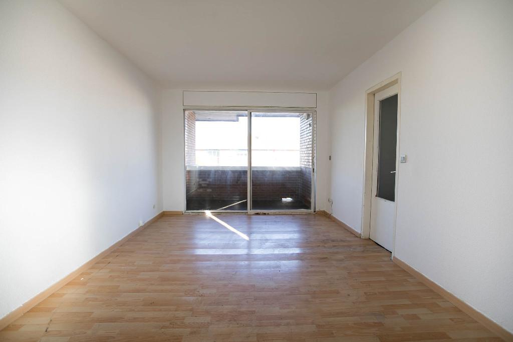 Piso en venta en Alcalá de Henares, Madrid, Calle Nuñez de Guzman, 91.500 €, 3 habitaciones, 1 baño, 96 m2