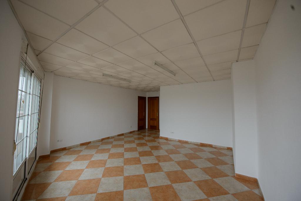 Piso en venta en Badajoz, Badajoz, Calle Arce, 92.500 €, 4 habitaciones, 1 baño, 104 m2