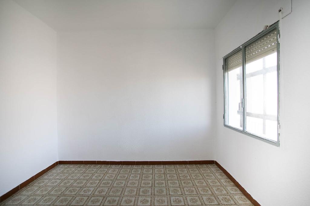 Piso en venta en Piso en El Casar, Guadalajara, 70.000 €, 3 habitaciones, 1 baño, 85 m2