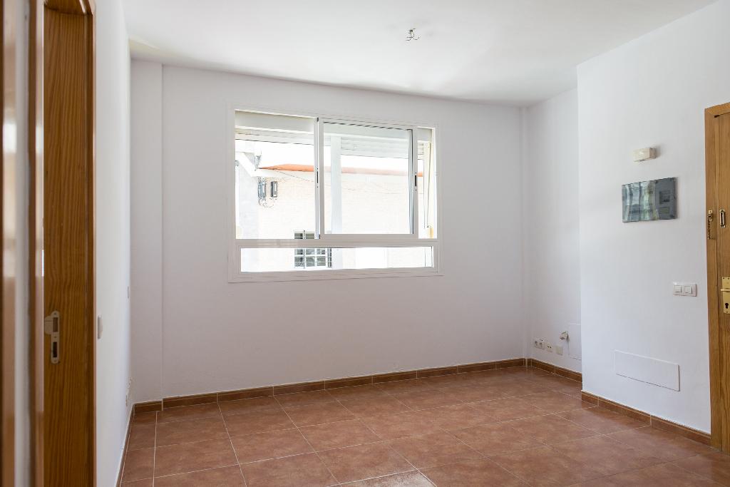 Piso en venta en Las Palmas de Gran Canaria, Las Palmas, Calle la Orotava, 85.000 €, 1 habitación, 1 baño, 61 m2