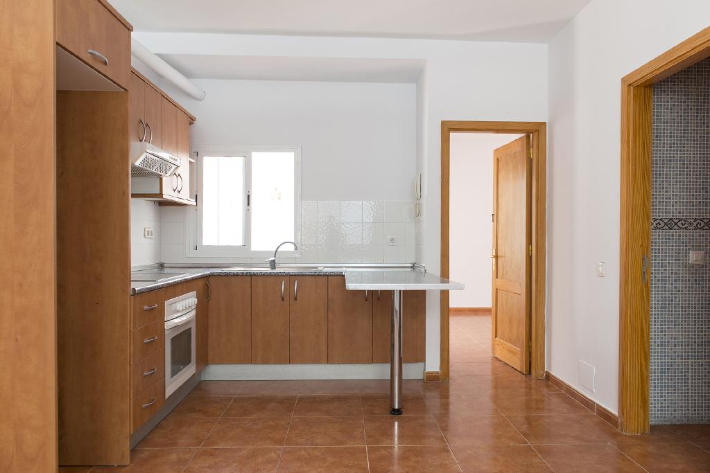 Piso en venta en Las Palmas de Gran Canaria, Las Palmas, Calle la Orotava, 72.000 €, 2 habitaciones, 1 baño, 61 m2