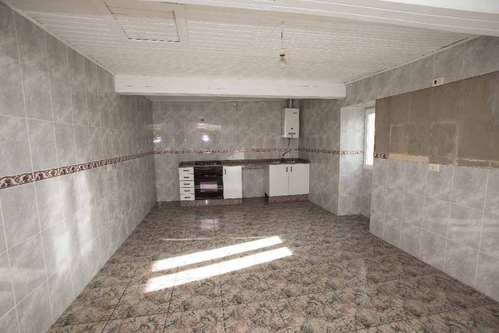 Casa en venta en San Martiño, A Cañiza, Pontevedra, Lugar Polígono Casancho, 43.000 €, 4 habitaciones, 1 baño, 184 m2