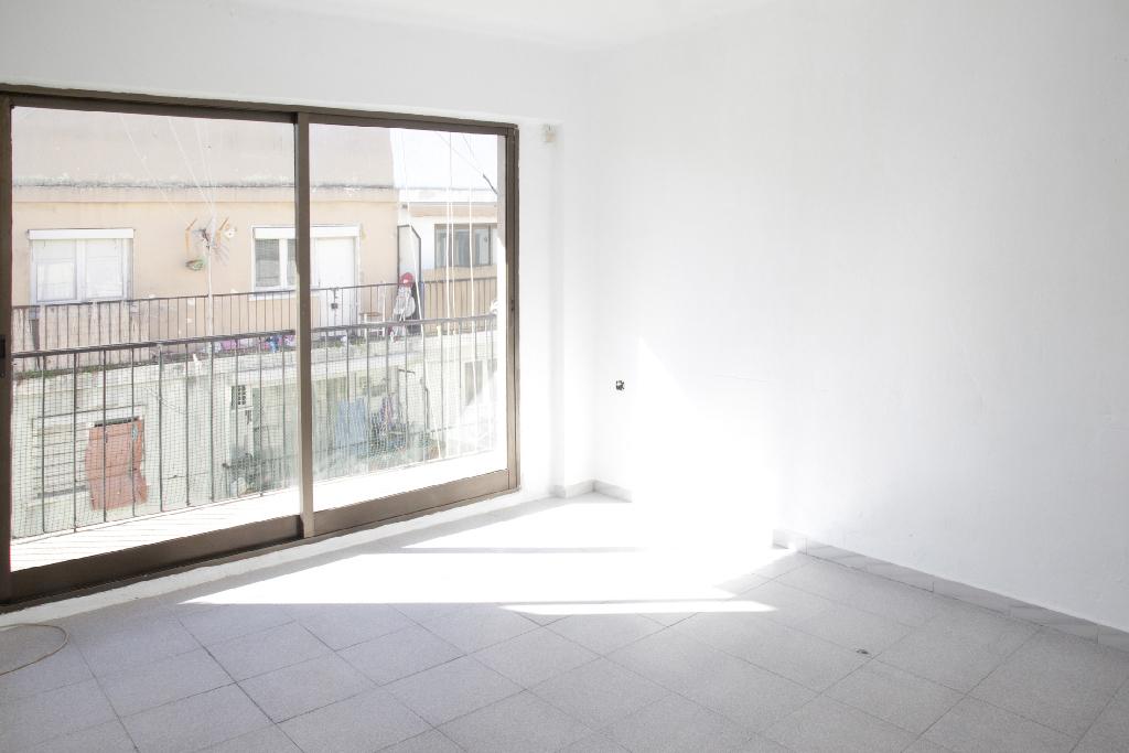 Piso en venta en Palma de Mallorca, Baleares, Calle Santa Florentina, 54.500 €, 2 habitaciones, 1 baño, 61 m2