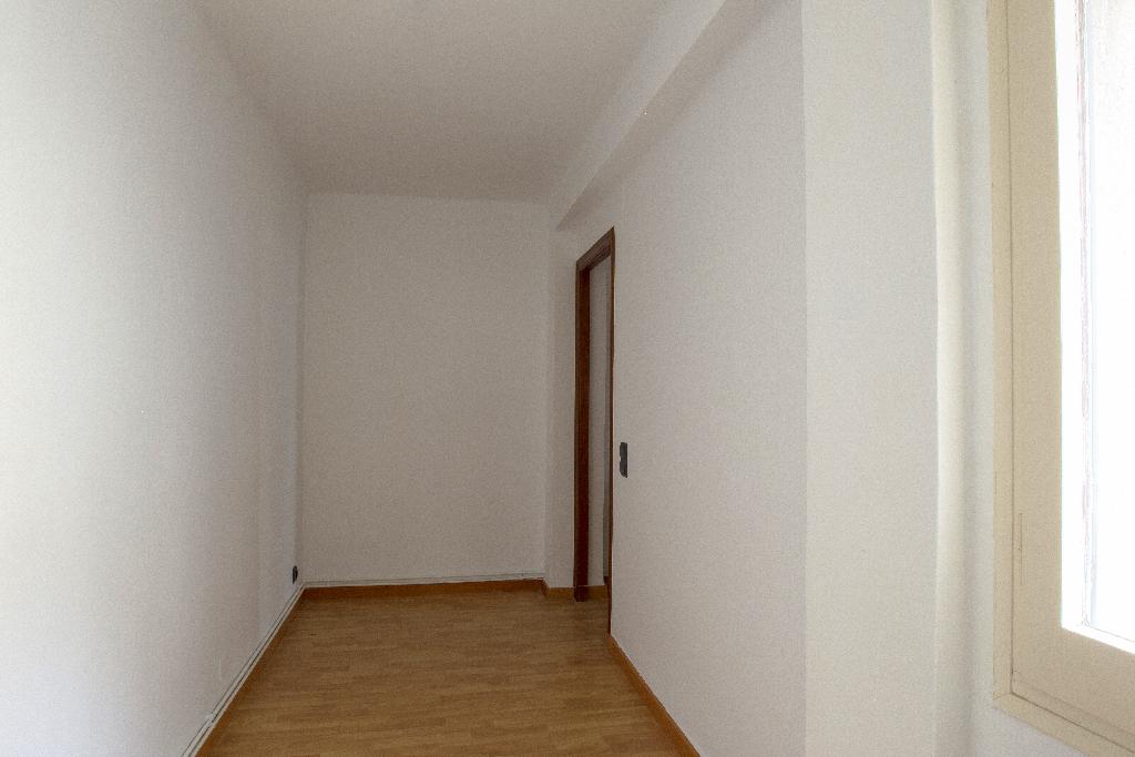 Piso en venta en Piso en Reus, Tarragona, 84.000 €, 4 habitaciones, 1 baño, 104 m2