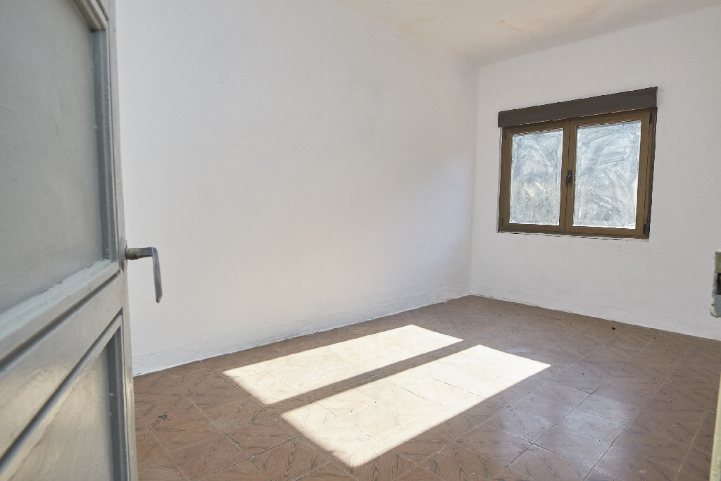 Piso en venta en Muries, Mieres, Asturias, Lugar Cuestavil, 16.000 €, 2 habitaciones, 1 baño, 48 m2