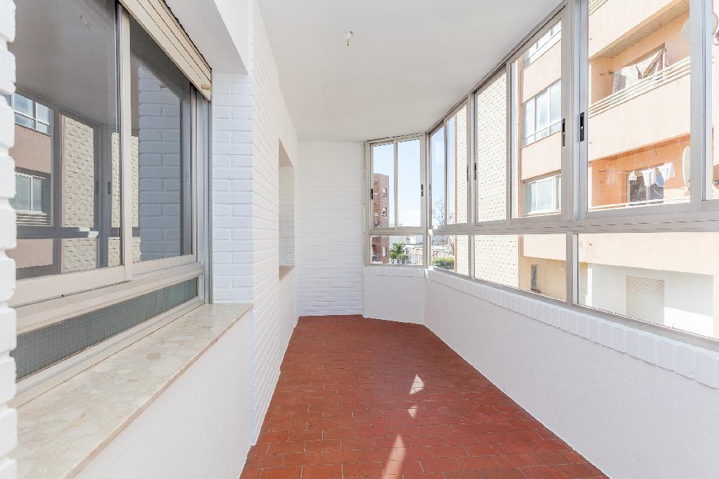 Piso en venta en El Ejido, Almería, Calle Gustavo Adolfo Bequer, 76.500 €, 4 habitaciones, 2 baños, 128 m2