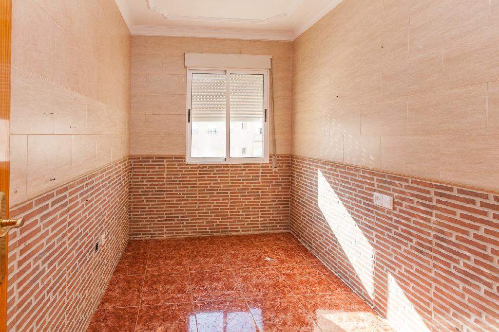 Piso en venta en Cartagena, Murcia, Calle Mar Cantabrico, 35.000 €, 2 habitaciones, 1 baño, 56 m2