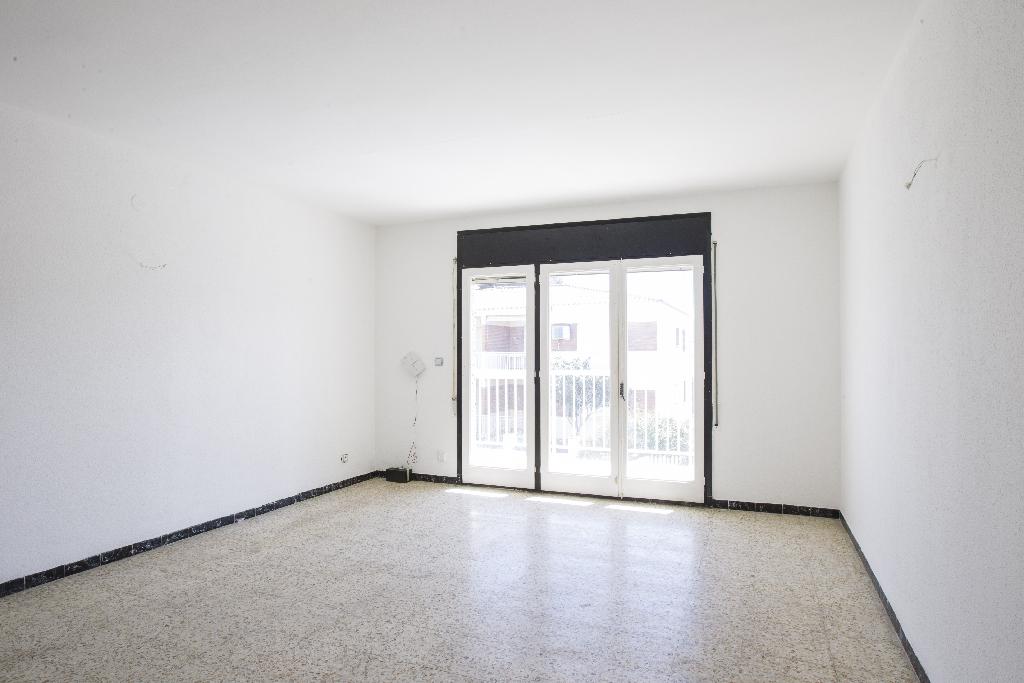 Piso en venta en Cambrils, Tarragona, Avenida Enrique Granados, 126.000 €, 3 habitaciones, 1 baño, 124 m2