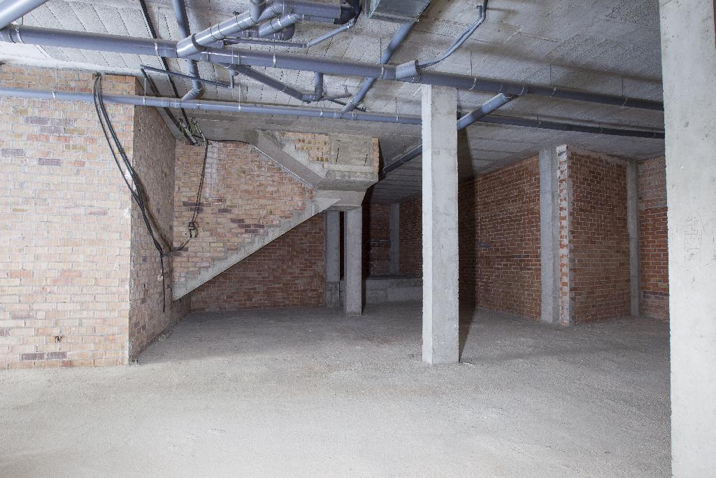 Local en venta en El Vendrell, Tarragona, Calle Alguer, 125.000 €, 220 m2