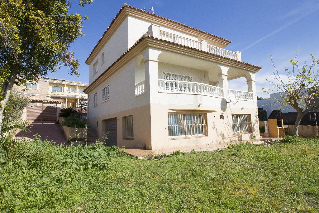 Casa en venta en Cunit, Tarragona, Calle Pere Mestres, 253.000 €, 4 habitaciones, 2 baños, 253 m2