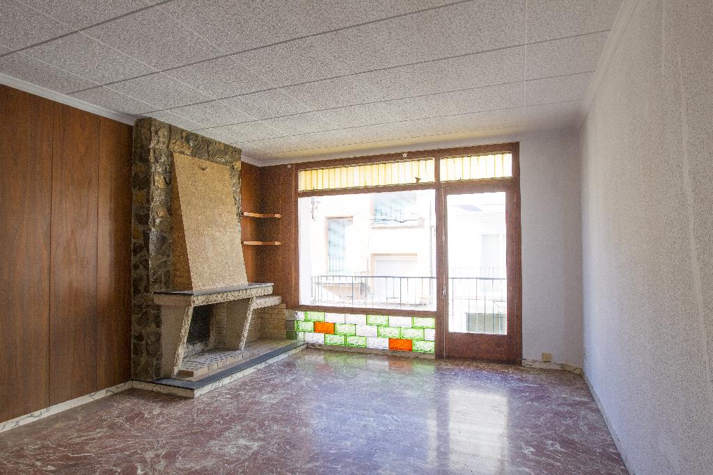 Casa en venta en Ulldecona, Tarragona, Calle Calvari, 49.500 €, 3 habitaciones, 2 baños, 255 m2