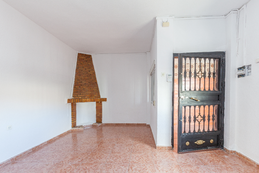 Casa en venta en Huétor Vega, Granada, Calle Virgen del Rosario, 108.500 €, 3 habitaciones, 1 baño, 145 m2
