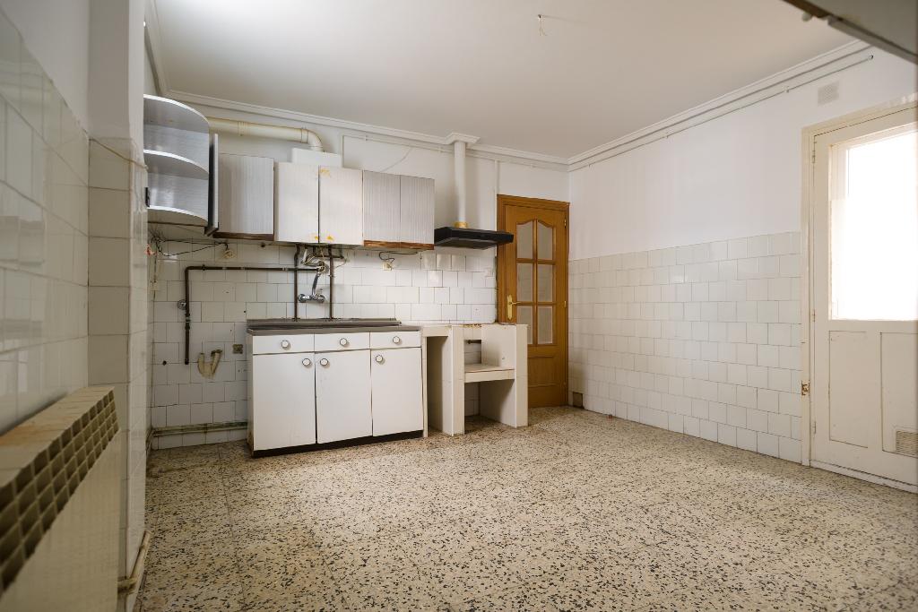 Piso en venta en Haro, La Rioja, Calle Balmes, 35.000 €, 2 habitaciones, 1 baño, 72 m2