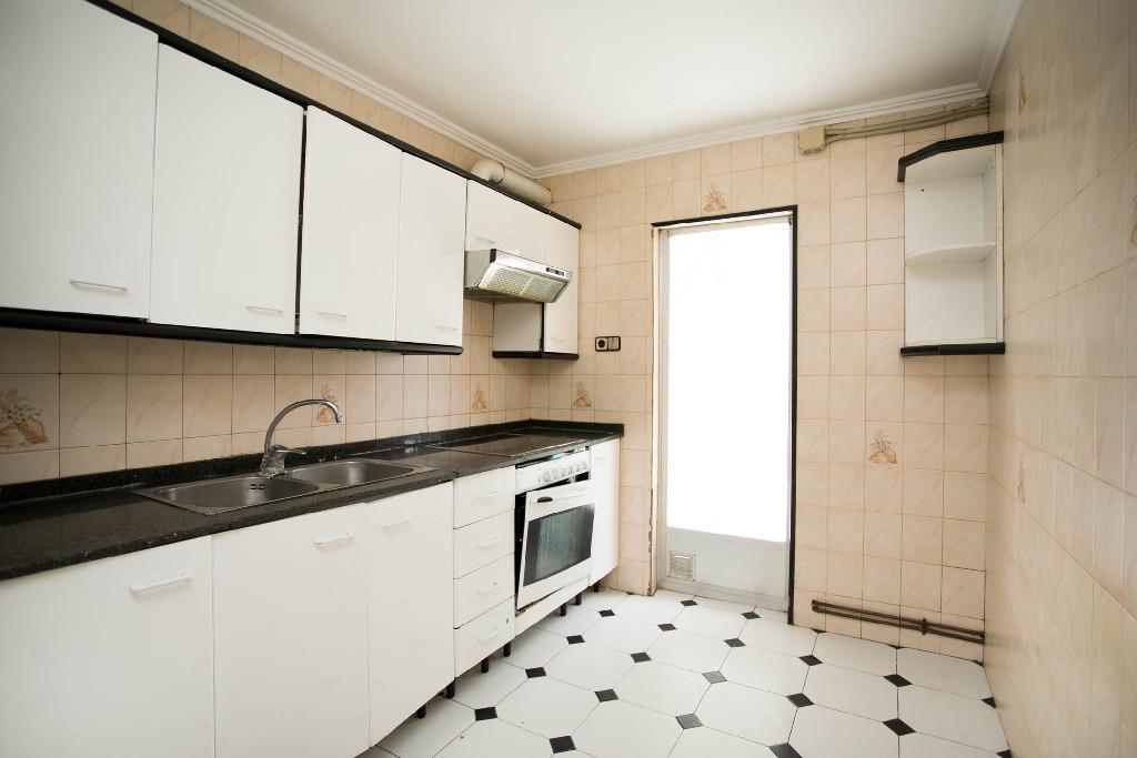Piso en venta en Cappont, Lleida, Lleida, Calle Riu Sio, 69.000 €, 3 habitaciones, 1 baño, 92 m2