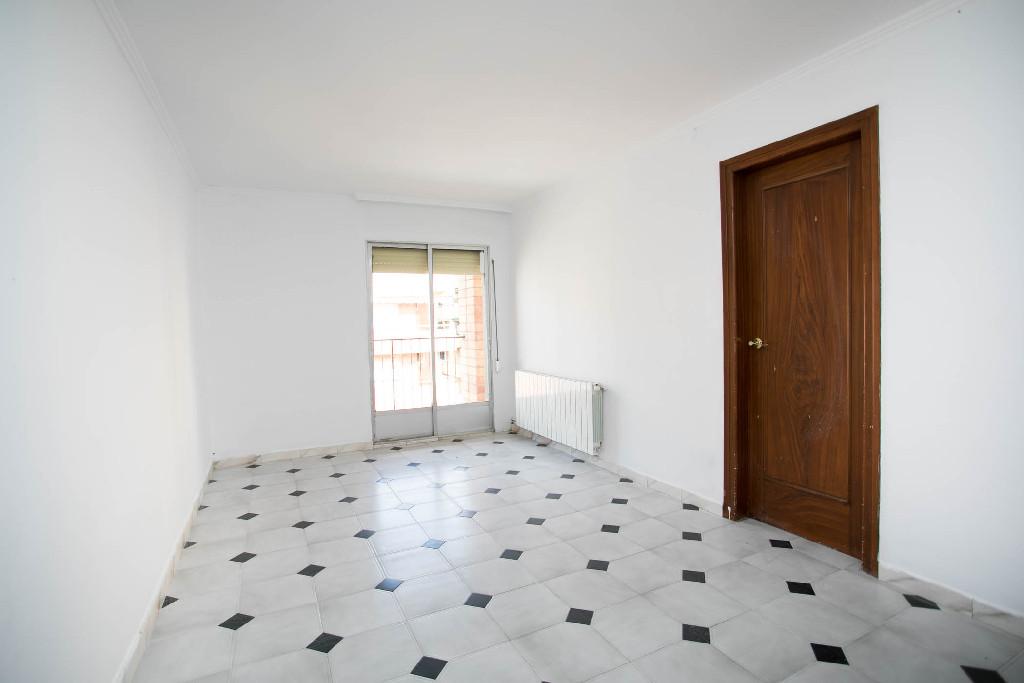 Piso en venta en Lleida, Lleida, Calle Riu Sio, 76.000 €, 3 habitaciones, 1 baño, 92 m2