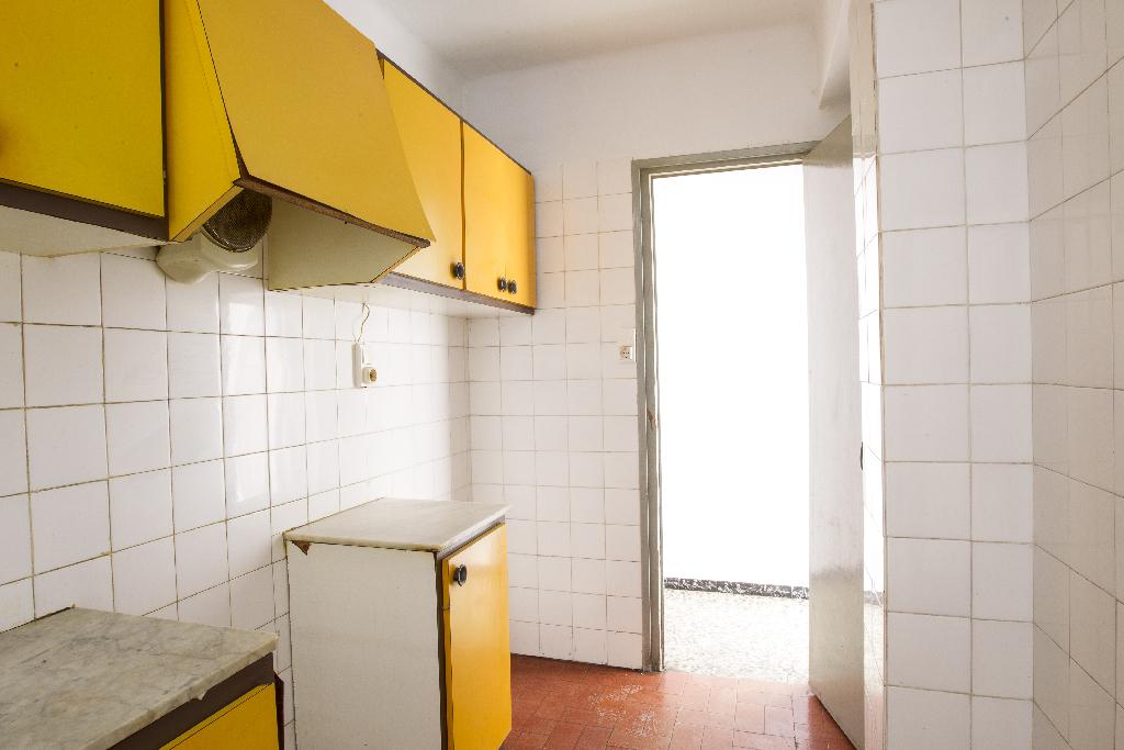 Piso en venta en Piso en Reus, Tarragona, 41.000 €, 3 habitaciones, 1 baño, 70 m2