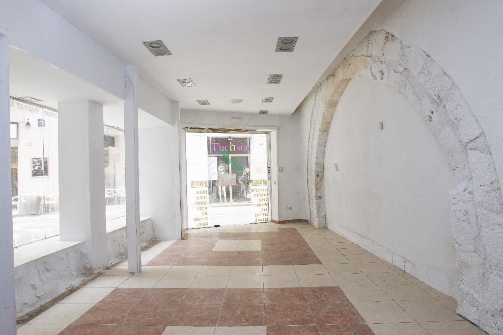 Casa en venta en Tortosa, Tarragona, Calle D` en Carbo, 33.000 €, 6 habitaciones, 1 baño, 220 m2