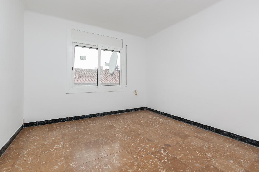Piso en venta en Rubí, Barcelona, Calle Espoz I Mina, 112.000 €, 3 habitaciones, 1 baño, 68 m2
