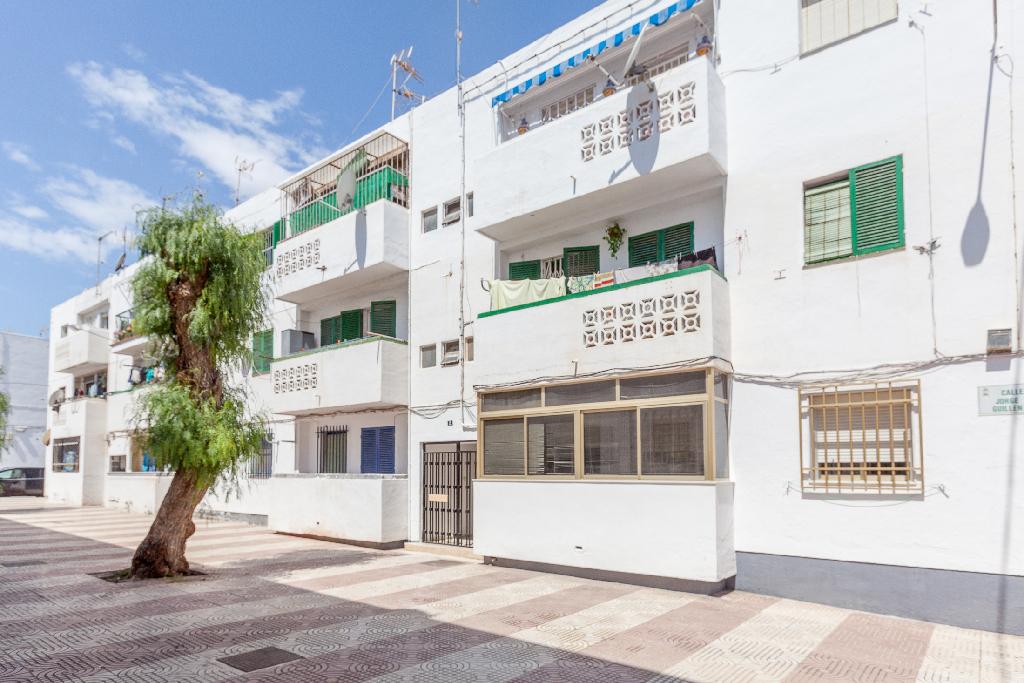 Piso en venta en Roquetas de Mar, Almería, Calle Jorge Guillem, 27.500 €, 3 habitaciones, 1 baño, 76 m2