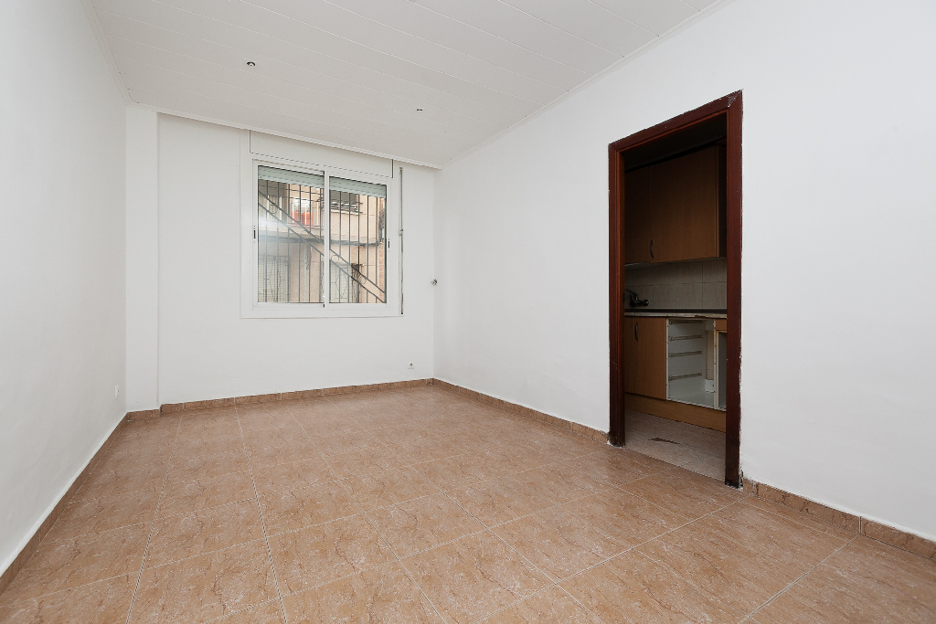 Piso en venta en Sabadell, Barcelona, Calle Collsalarca, 99.000 €, 3 habitaciones, 1 baño, 61 m2