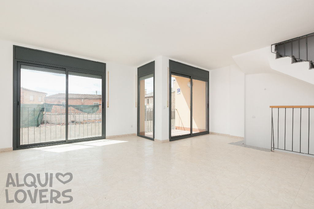 Piso en venta en Els Omellons, Lleida, Calle la Plaza, 117.000 €, 4 habitaciones, 2 baños, 159 m2