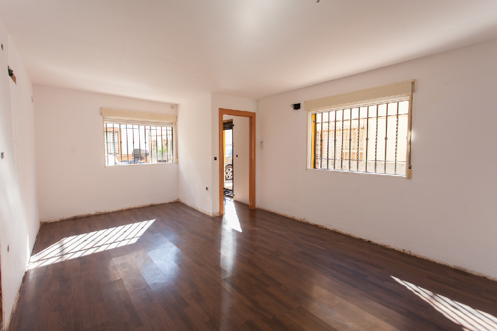 Casa en venta en Maracena, Granada, Calle San Patricio, 85.000 €, 2 habitaciones, 1 baño, 59 m2