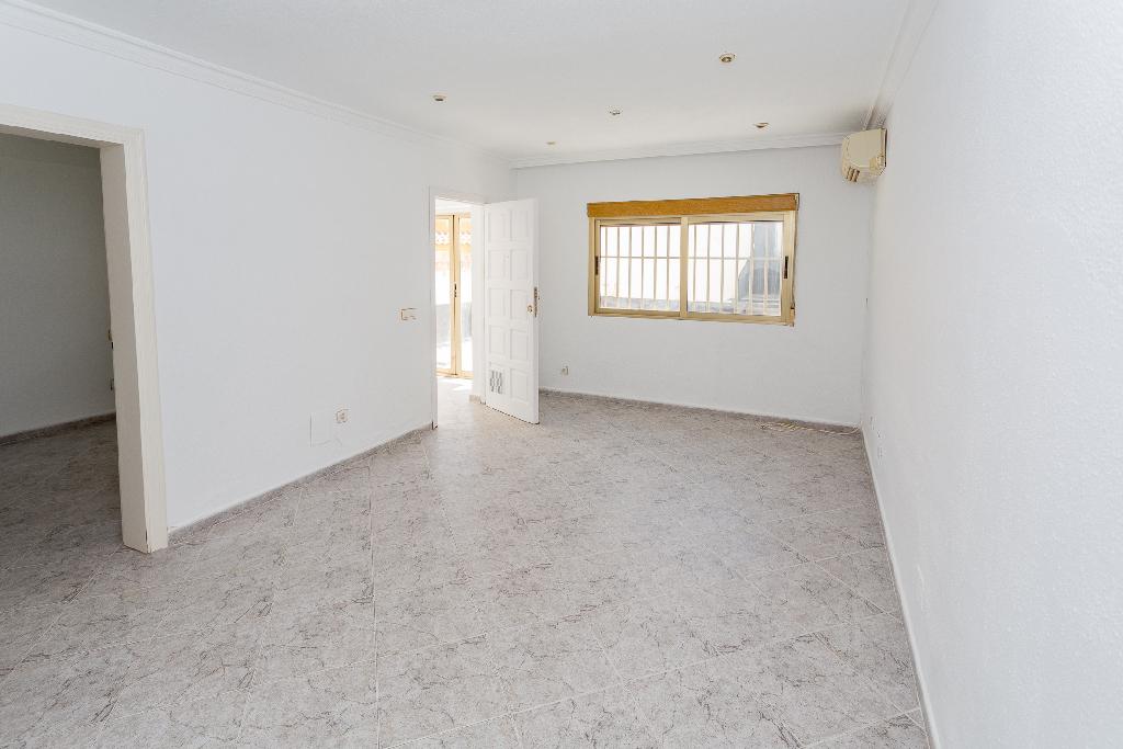 Casa en venta en La Nucia, Alicante, Calle Copet, 63.000 €, 1 habitación, 1 baño, 49 m2