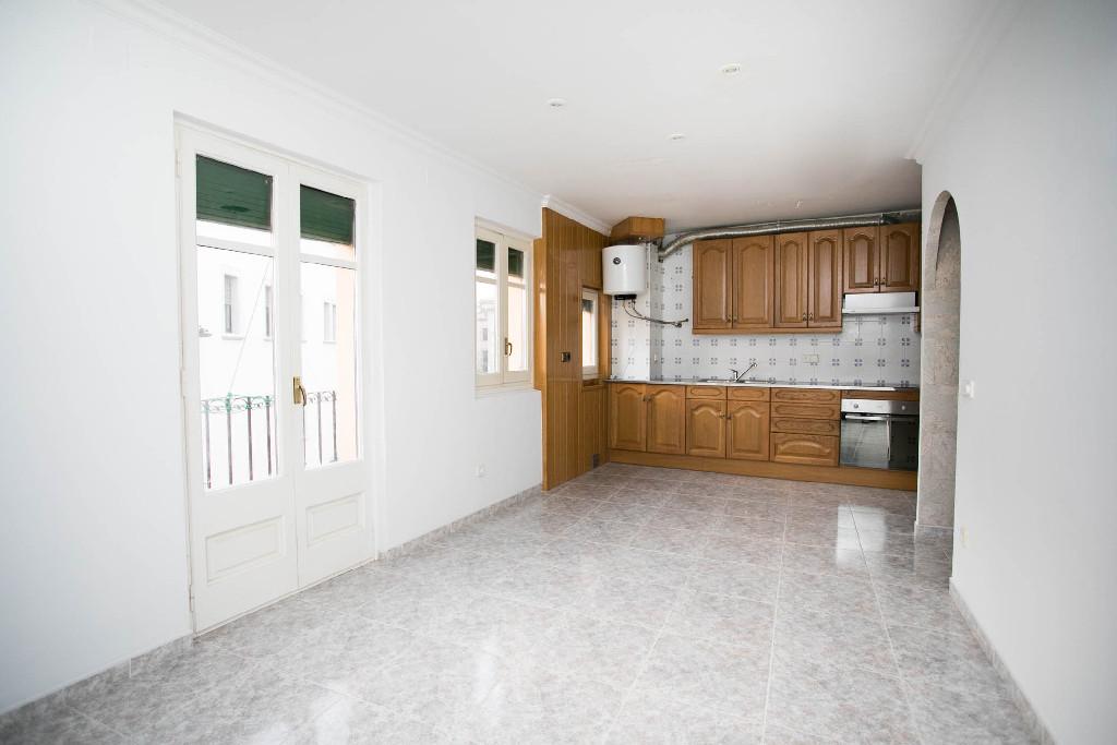 Piso en venta en Solsona, Lleida, Plaza Sant Isidre, 45.500 €, 1 baño, 67 m2