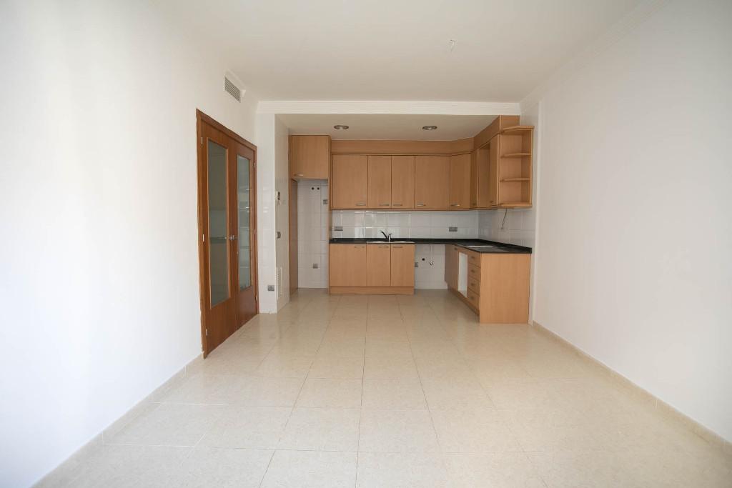 Piso en venta en L` Ampolla, Tarragona, Calle Sant Sebastia, 103.500 €, 3 habitaciones, 1 baño, 81 m2
