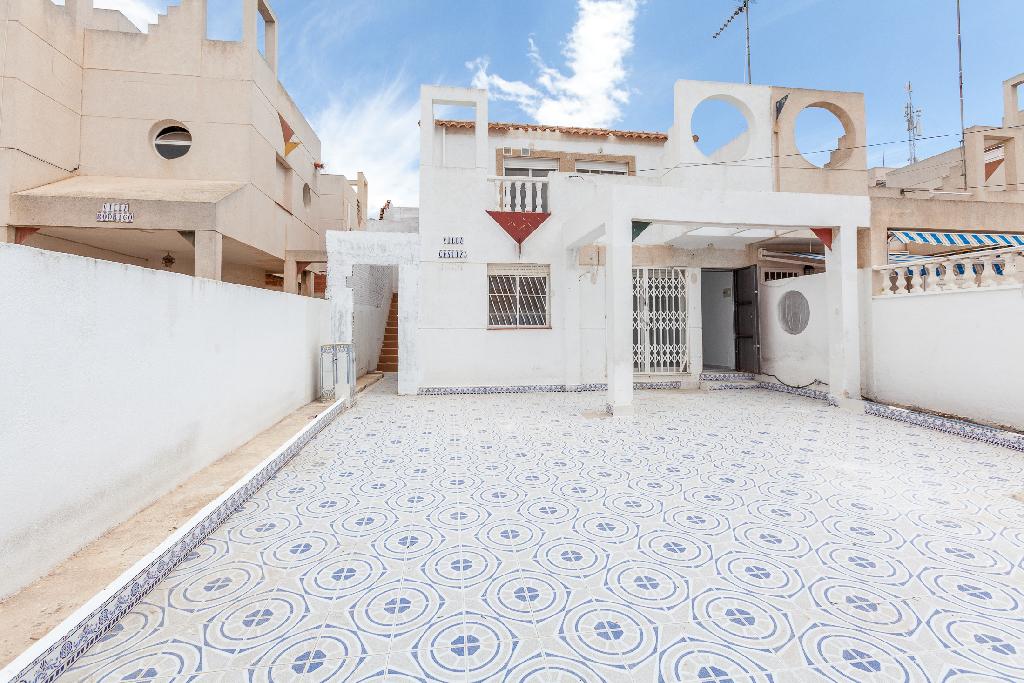 Piso en venta en Torrevieja, Alicante, Calle Gaviota, 65.000 €, 2 habitaciones, 1 baño, 46 m2
