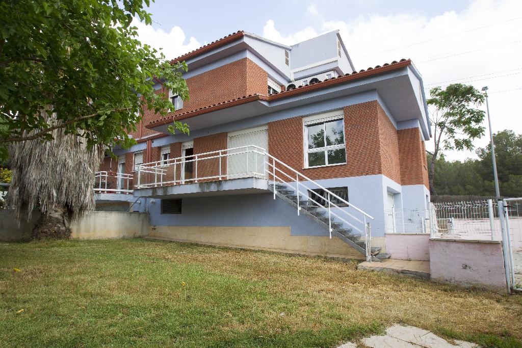Casa en venta en Tarragona, Tarragona, Calle Franqueses del Codony, 230.000 €, 4 habitaciones, 3 baños, 131 m2
