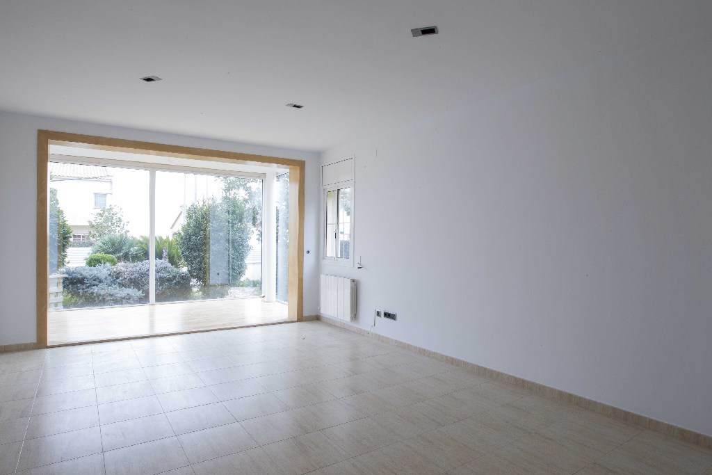 Casa en venta en Llorenç del Penedès, Tarragona, Calle Garrofers, 207.000 €, 4 habitaciones, 2 baños, 204 m2