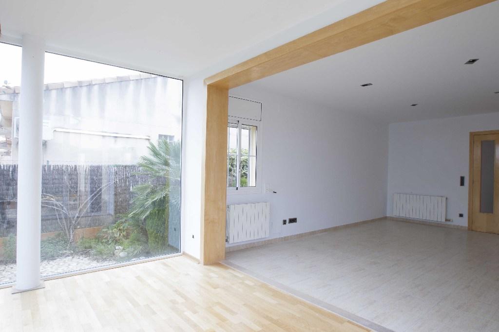 Casa en venta en Casa en Llorenç del Penedès, Tarragona, 197.000 €, 4 habitaciones, 2 baños, 204 m2