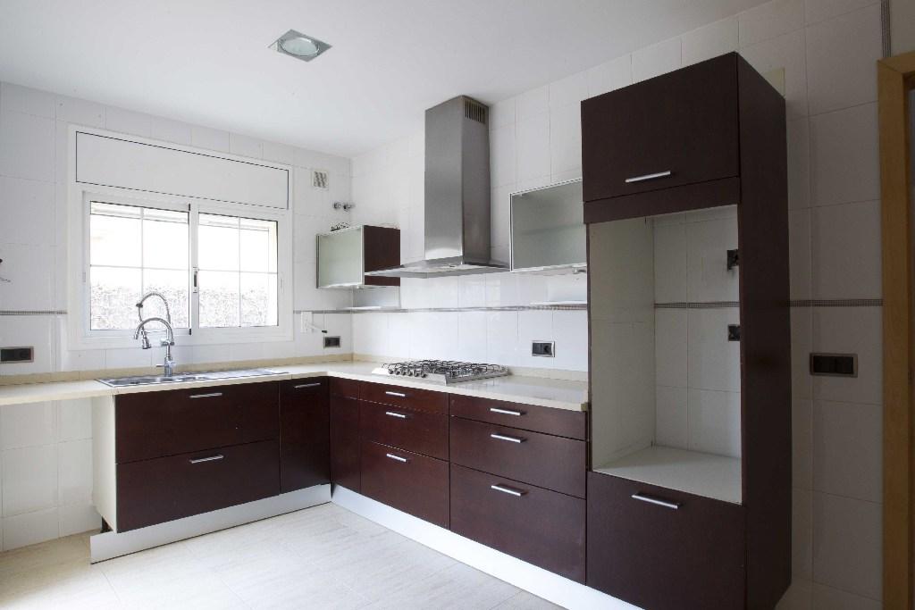 Casa en venta en Llorenç del Penedès, Tarragona, Calle Garrofers, 197.000 €, 4 habitaciones, 2 baños, 204 m2